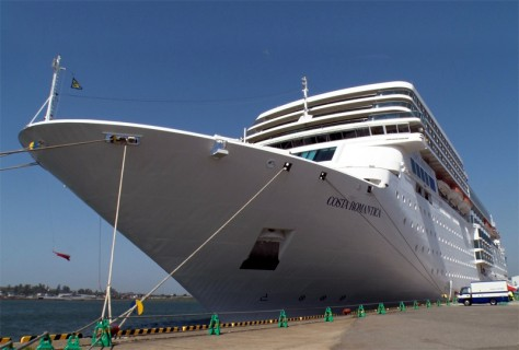 no275_img_cruiseship